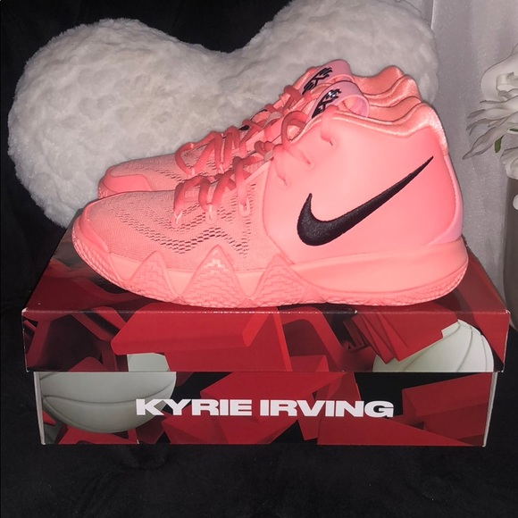 best deals on 946b1 7b314 Brand new Nike Kyrie 4